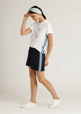 t-shirt con stampa logo e nastro gros con short con nastro sui fianchi